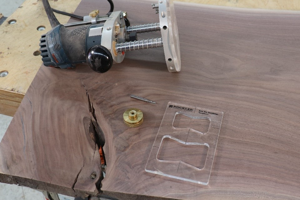 Analyzing the natural wooden cut