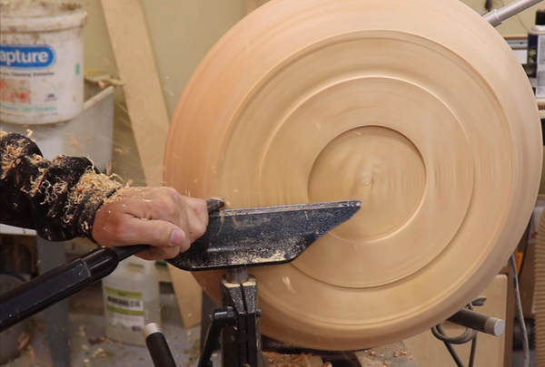 Applying the gouge to form the bottom of the platter