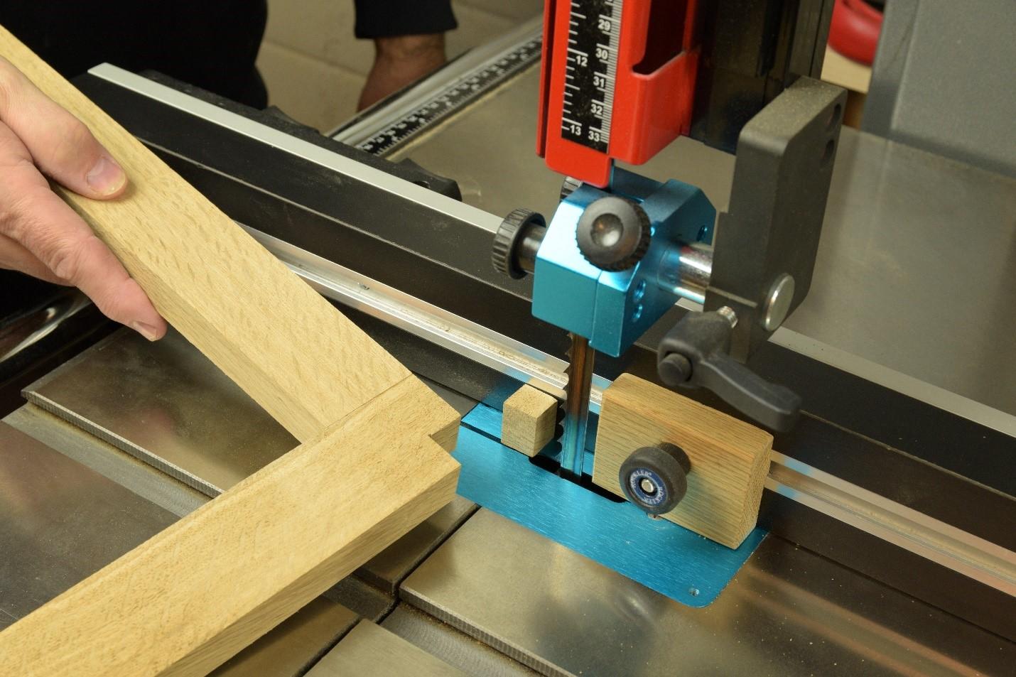 Cutting out a corner notch