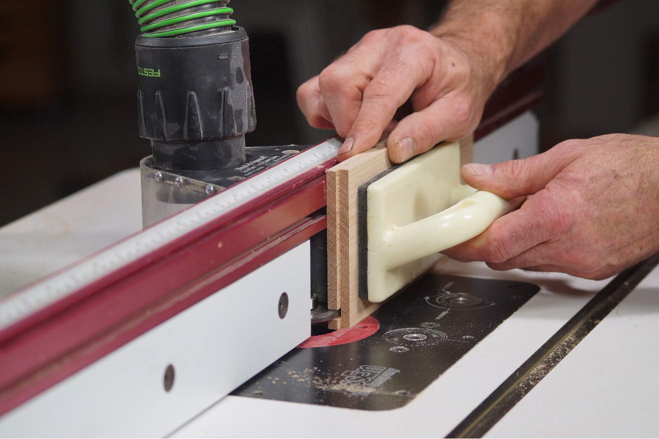 cutting grooves onto wood