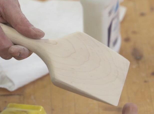 Complete sanding the woodworking project