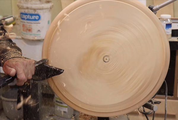 Shaping the rim of the bowl