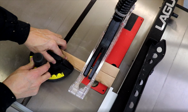 Tablesaw cuts with adjustable fence