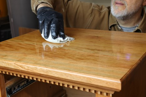 applying excess poly for horizontal flat surfaces