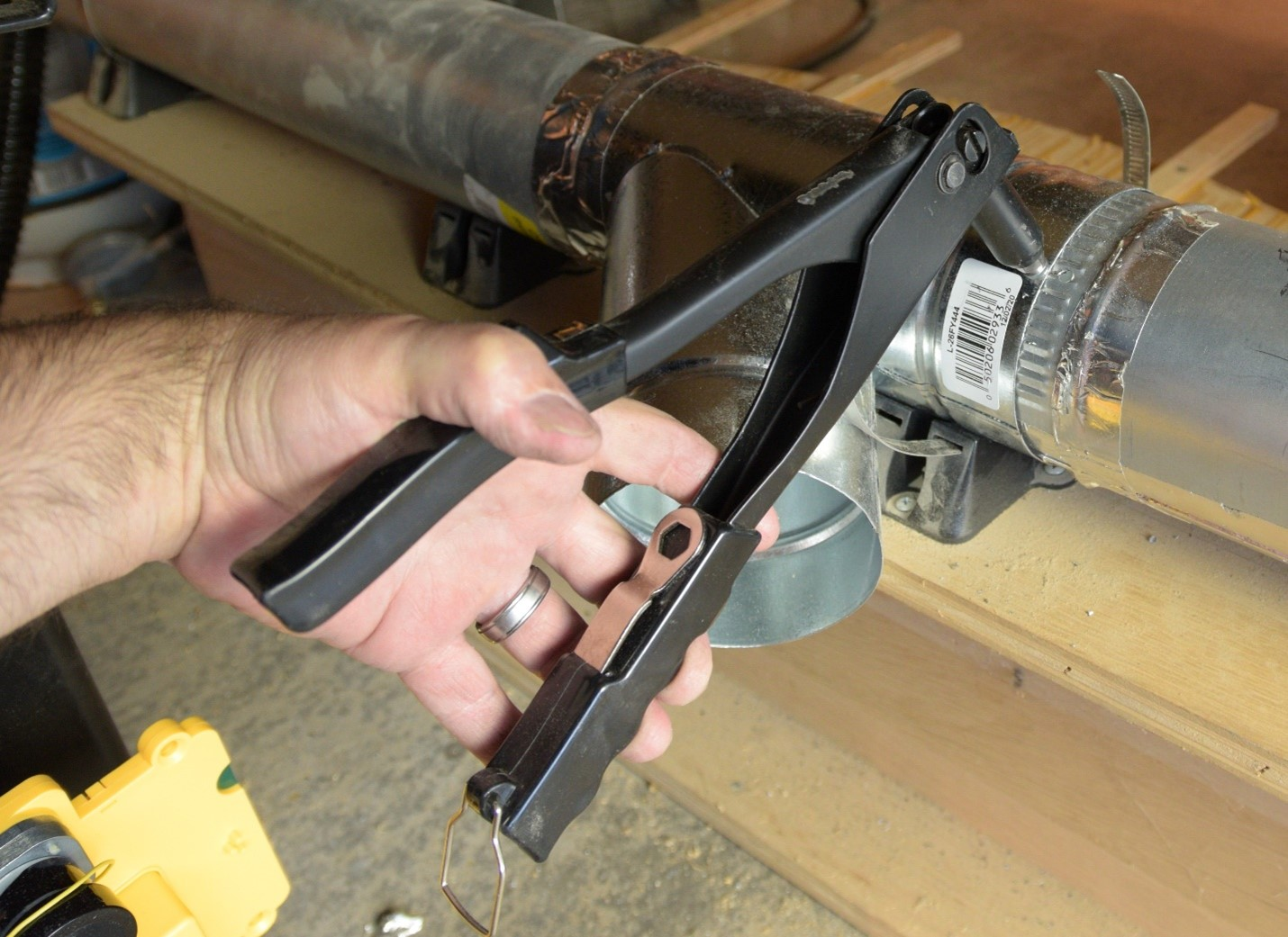 installing pop rivets into aluminum