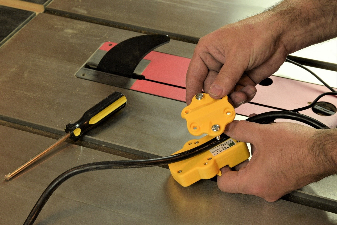 using a tool sensor to ensure collection is active