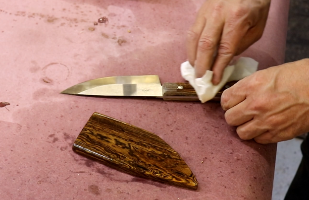 Make a Knife and Wooden Sheath Using a Blade Kit